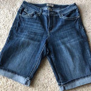 EARL GREY Bermuda shorts